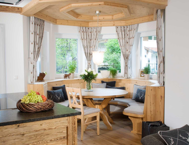 Wohnatmosphare Im Chalet Stil Mobeltischlerei Manzl Interior Design
